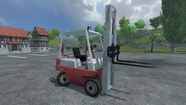 Linde Forklift with Pallet